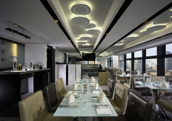 uptop-bistro-and-bar-interior-02.jpg