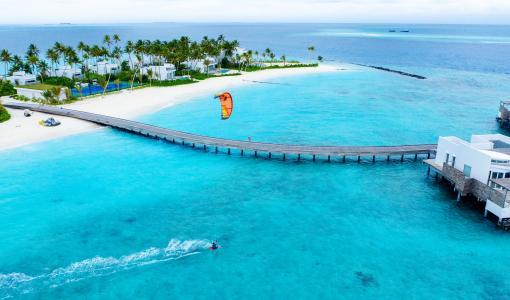 新闻稿: 马尔代夫北马累环礁丽世度假村 为冲浪爱好者打造度假天堂