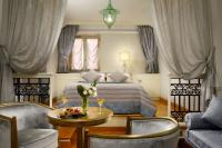 romantic-junior-suite-at-grand-hotel-savoia.jpg