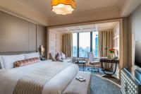signature-premium-room-at-caravelle-saigon.jpg