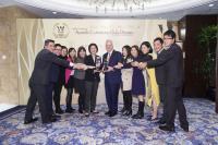 benchmark-wealth-mgt-award-photo.jpg