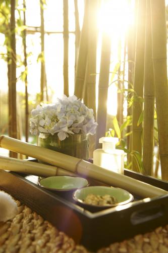 fairmont-peace-hotel-bamboo_tray_483639_standard.jpg