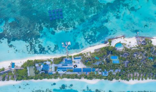 新闻稿: 马尔代夫南阿里环礁丽世度假村 装置全球规模最大的海上浮动太阳能发电系统
