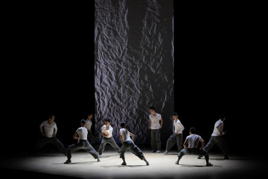 stage-photo_convergence_02-e6-94-9dying-photo_-henry-wong.jpg