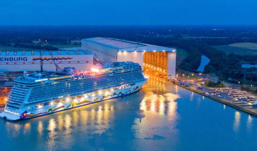 NORWEGIAN ENCORE EMERGES FROM SHIPYARD FOR THE FIRST TIME